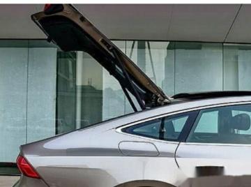 现在买车对于这种溜背式以及大掀背的后备箱尾门确实是非常的偏爱,特别是对于年轻人而言。